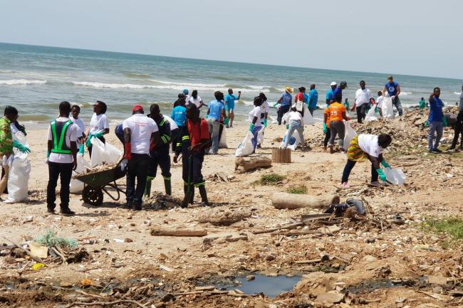 Beach clean up to mark UN Day 2019